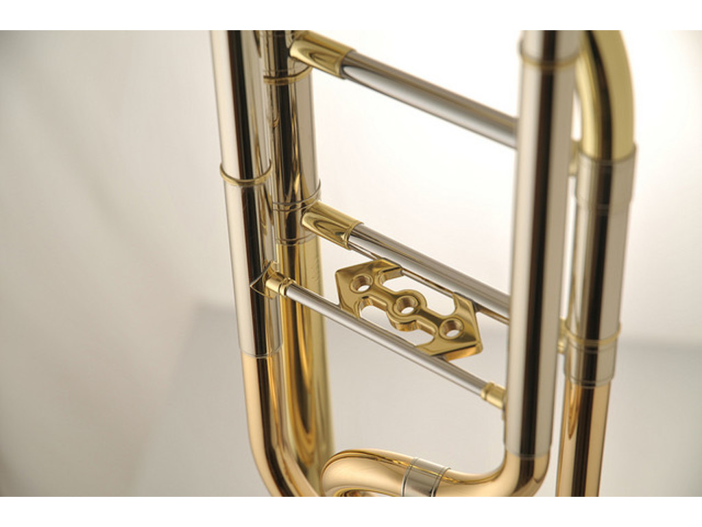Trombone (Tenor) Edwards T396-A, Alessi Model, Rotax cilinder, goudmessing schuif, zonder koffer