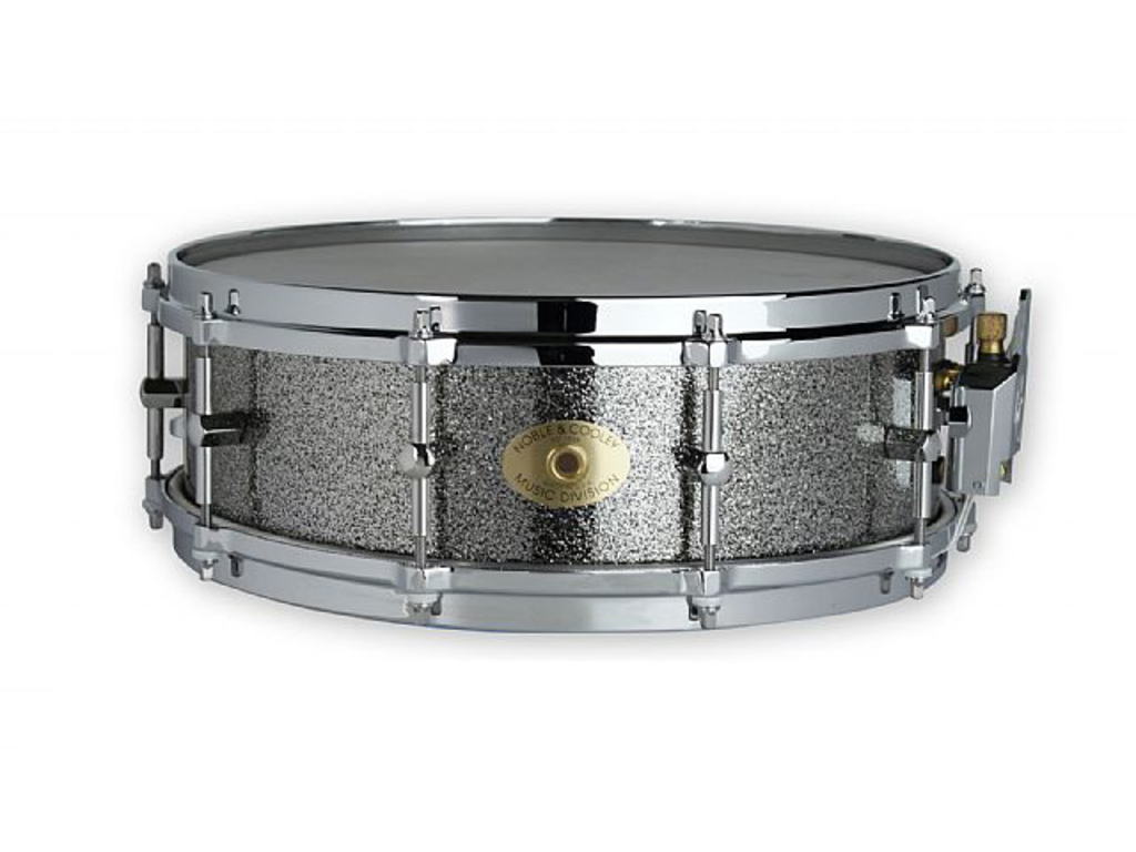 "Snaredrum Noble & Cooley FGJB145BSC, Classic maple, chrome hardware 14"" x 5"", Black sparkle"