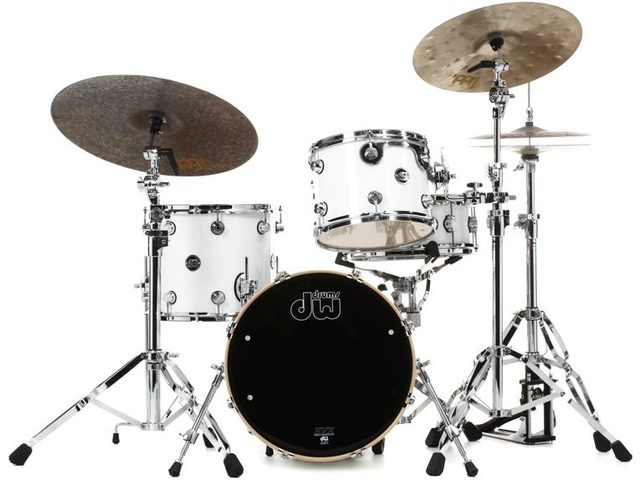 "Shell Set DW Performance Finish Ply / Satin Oil 18"" 3-delig Gloss White, 18"", 12"", 14"""