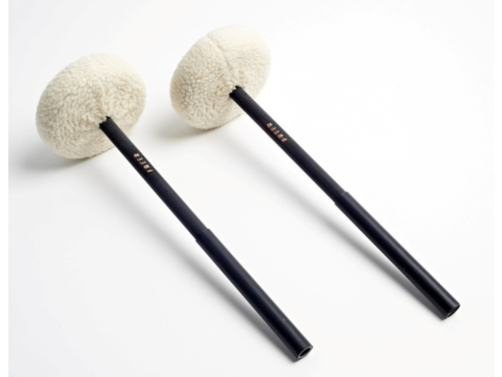 Bass Drum Mallets Tom Freer BDF7, extra large Nylon disc with synthetic fur cover