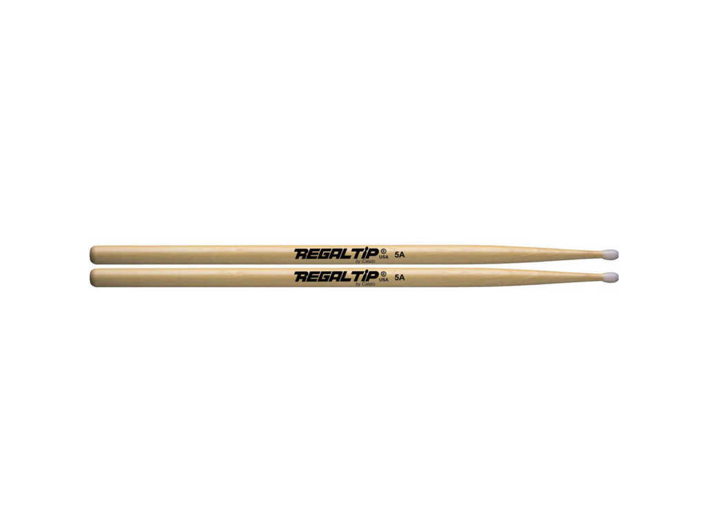 "Drumstokken Regal Tip 105NT, Nylon Serie, 5A .580"", Lengt 16"", Tear Drop, Nylon Tip"