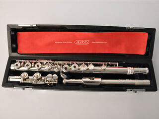 Gebruikte Dwarsfluit C, Mateki all silver,drawn toneholes,open keys, E-mech,C-foot