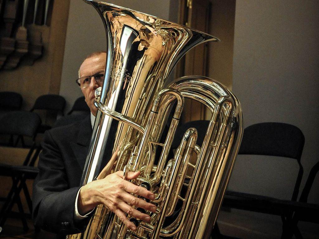 Bildresultat för bas tuba